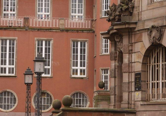 les-bains-municipaux-chers-au-coeur-des-strasbourgeois-photo-archives-dna
